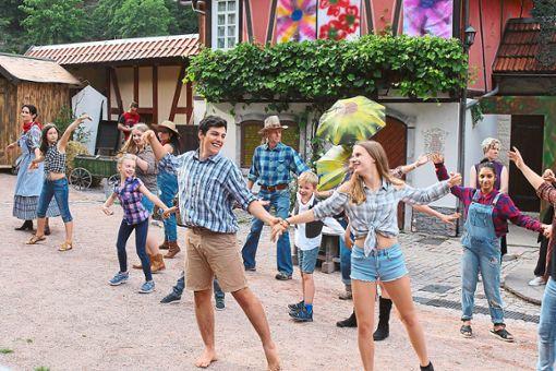 Der Zauberer von Oz besticht durch viel Musik und Tanz, eine sehr gute Vorbereitung der Darsteller sowie die bezaubernde Geschichte um das fantasievolle Mädchen Dorothy und ihren Hund Toto. Foto: Störr