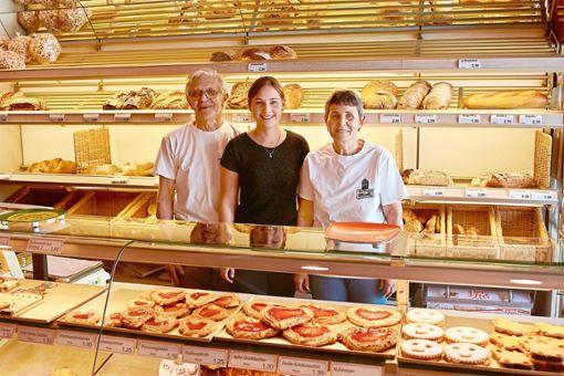 Eugen (von links), Julia und Helga Mink setzen auf Transparenz.    Foto: Cools