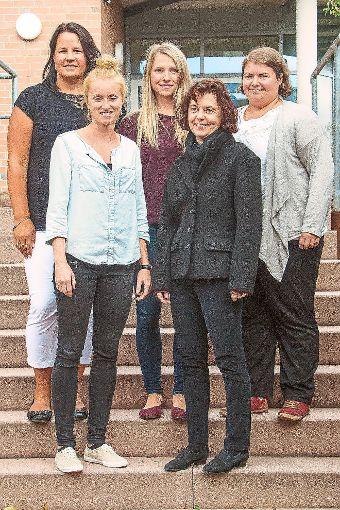 Fünf neue Lehrerinnen verstärken  das Kollegium des WIldberger Bildungszentrums: Carolin Senst (von links), Thea Schuhmacher, Carolin Batschkowske, Martina Fix und  Julia Barahona. Foto: Schwarzwälder-Bote