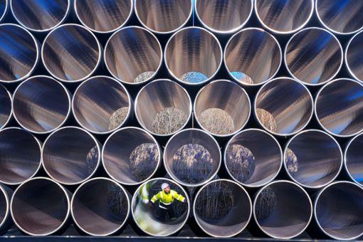 Was durch dicke Gasleitungen in die Städte kommt, muss nicht notwendigerweise in jedem Baugebiet landen.   Foto: Büttner Foto: Schwarzwälder Bote