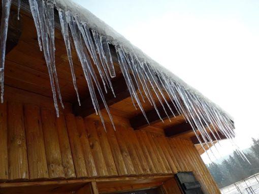 Klirrende Kälte herrscht derzeit in der Region - wie hier in Stockenhausen bei Balingen. Foto: Campos