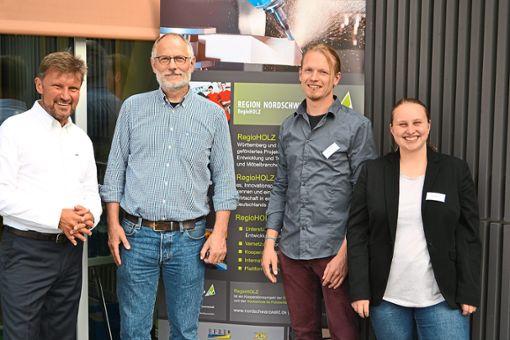 Die Referenten und das Team von RegioHOLZ (von links): Reinhard Eberl-Pacan, Ludger Dederich, Tim Wedemeyer und Lena Nimke.  Fotos: WFG Nordschwarzwald Foto: Schwarzwälder Bote