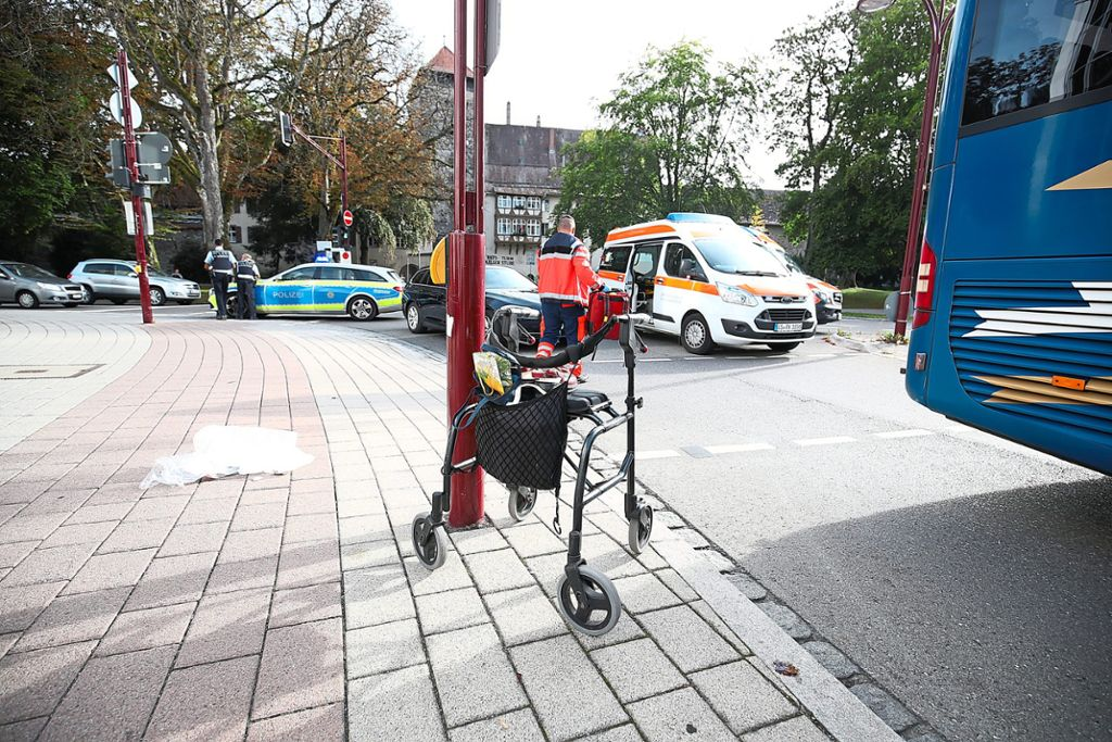 Villingen Schwenningen Unfall 73 Jährige Von Linienbus Erfasst
