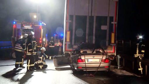 Bei einem schweren Unfall auf der A5 bei Lahr (Ortenaukreis) ist ein Autofahrer ums Leben gekommen.  Foto: kamera24.tv