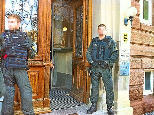 Unter starken Sicherheitsvorkehrungen fand am Mittwoch am Landgericht die Urteilsverkündung im Hechinger Mordfall statt.  Foto: Stopper