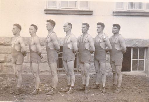 Die Aktivenmannschaft von 1933  Foto: Athletenbund Foto: Schwarzwälder Bote