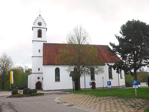 Vor St. Jakobus in Herrenzimmern feiert die Seelsorgeeinheit am Sonntag einen gemeinsamen Gottesdienst.   Foto: Hölsch Foto: Schwarzwälder Bote