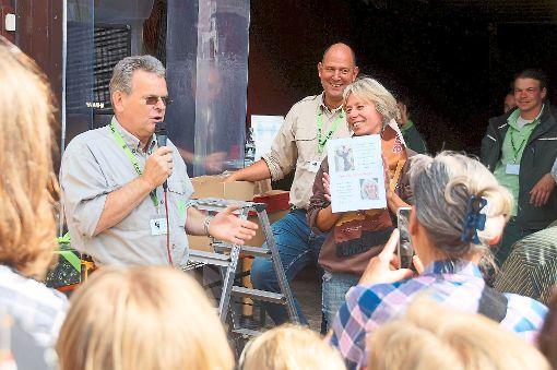 Neue Bären-Bürger wurden beim Patentag im Alternativen Wolf- und Bärenpark ernannt.   Foto: Stiftung für Bären Foto: Schwarzwälder-Bote