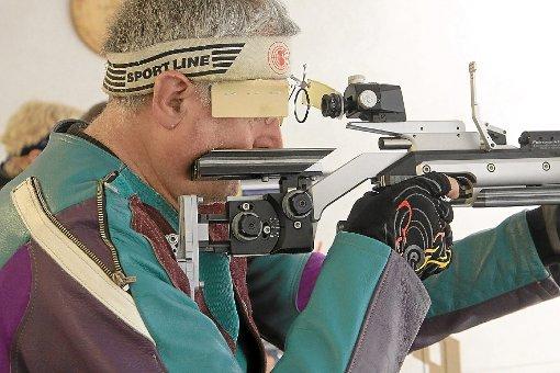Hermann Bechtold vom SV Rohrdorf kam im letzten Wettkampf auf 295 Ringe. Foto: Kraushaar Foto: Schwarzwälder-Bote