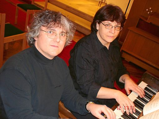 Das Klavierduo Tatjana Kontorovich und Otmar Wiedenmann-Montgomery gibt ein Passionskonzert.   Foto: Veranstalter Foto: Schwarzwälder Bote