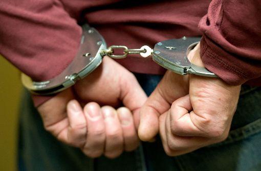 Die drei Hauptakteure wurden in Gewahrsam genommen. (Symbolfoto) Foto: dpa