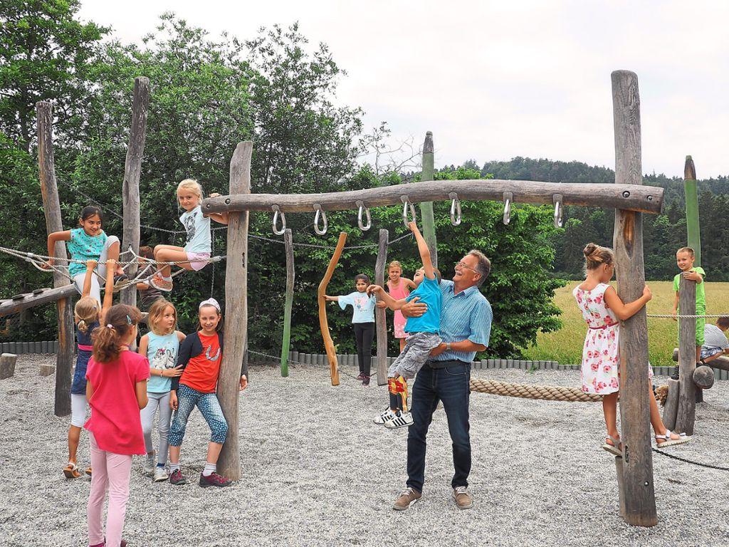 Klettergerüst Für 2 Jährige : Vöhringen: vöhringer schule feiert 40 jahre vöhringen