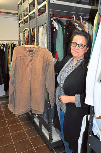 Daniela Meier ist auch für die Kostüme  bei Robin Hood zuständig.   Foto: Stangenberg Foto: Schwarzwälder Bote