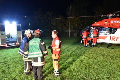 Gleich mehrfach ist die Feuerwehr Schramberg gefordert gewesen. Die Einsatzkräfte wurden zu einem Brand, einer Menschenrettung per Drehleiter und der Ausleuchtung für den Rettungshubschrauber alarmiert. Foto: Wegner