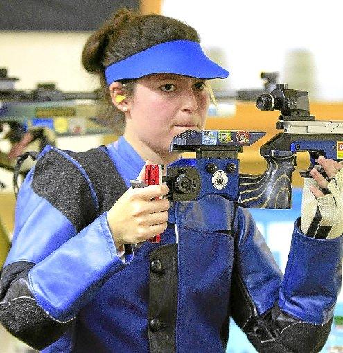 Bianca Meyer vom Tabellenzweiten SK Dachtel belegt als treffsicherste Frau Platz drei in der Einzelwertung. Foto: Kraushaar Foto: Schwarzwälder-Bote