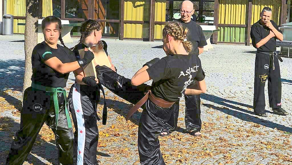 Baiersbronn: Erfolg im Kick-Boxen - Baiersbronn - Schwarzwälder Bote