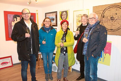Bürgermeister Martin Aßmuth eröffnete Galerie zusammen mit Christine Störr (von links), Julia Hoppe, Helga Borngässer-Geyl und Heinz Schumacher.  Foto: Schumacher Foto: Schwarzwälder Bote