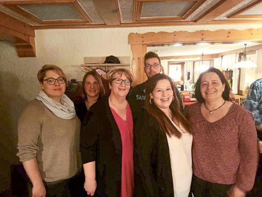 Die neue Vorstandschaft der Schnaigees Gugga (von links): Uli Nagl, Angela Janssen, Gabi Mamber, Heiko King, Pia Mamber und Gudrun Lutz (nicht auf dem Bild Peter Schoch).  Foto: Verein Foto: Schwarzwälder Bote