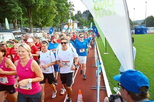 Knapp 700 Teilnehmer waren beim ersten AOK-Firmenlauf in Sulz am Start.  Foto: Archiv Foto: Schwarzwälder Bote