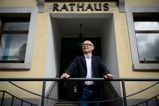 Kräftemessen mit dem Gemeinderat: Noch-Rathauschef Harry Ebert. Foto: dpa