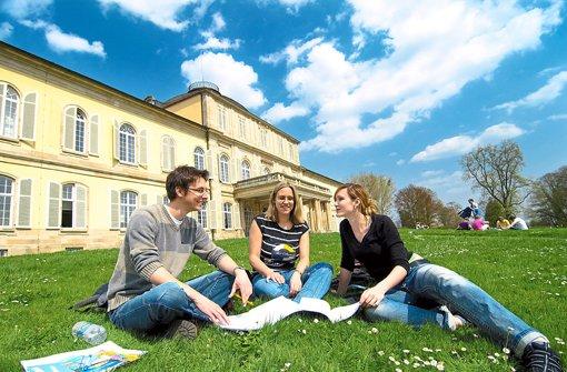 Schöner Campus mit Schloss und Park Foto: Uni Hohenheim