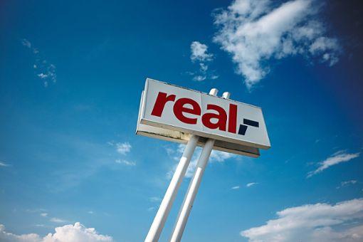 Wie weiter mit Real? Das Unternehmen berät derzeit intensiv über den Kompromissvorschlag.    Foto: Maier