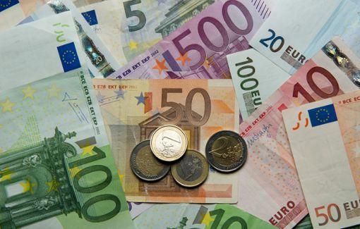 Zum Ausgleich des Ergebnishaushalts fehlen der Stadt Wildberg fast 600000 Euro.   Foto: dpa/Reinhardt Foto: Schwarzwälder Bote