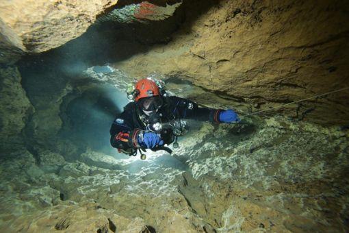 Neben der touristischen Nutzung der Wimsener Höhle wird dort auch geforscht. Foto: Andy Kücha/HFGOK