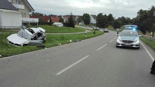 Bei einem Unfall nahe Herrenzimmern sind drei Menschen schwer verletzt worden. Foto: Peter Schönfelder