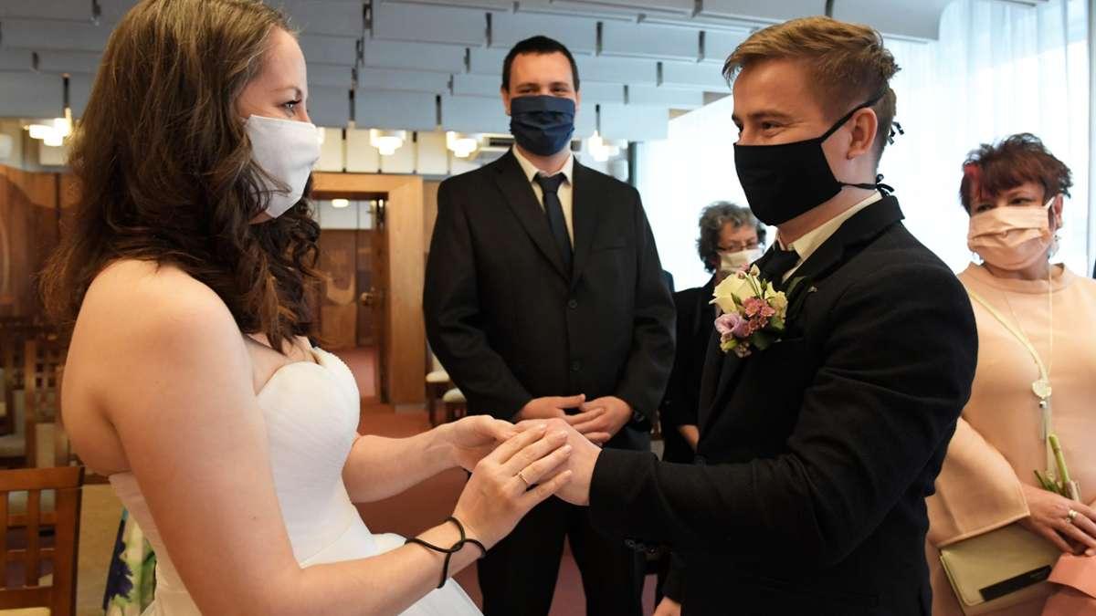 Hochzeiten Moglich Aber Mit Abstand Volksstimme De