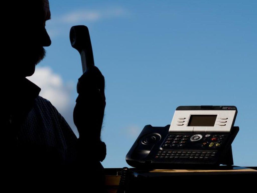 Falscher Polizeibeamter erleichtert Rentner um 69 000 Euro