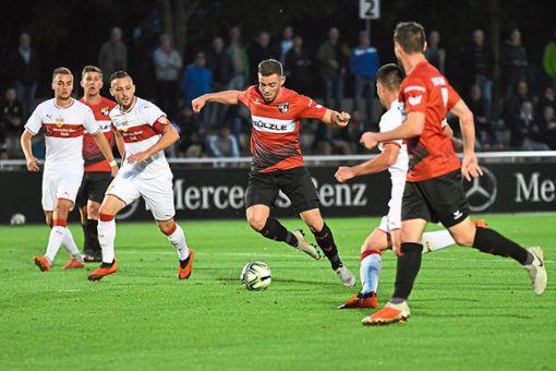 Erneut einen Punkt holte die TSG Balingen im Gastspiel am Freitagabend beim VfB Stuttgart II.  Foto: Eibner