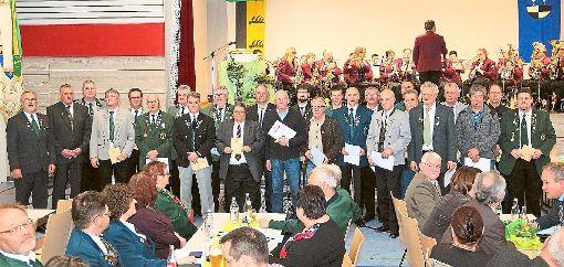 Zahlreiche Schützen sind beim Kreisschützentag  in Burladingen geehrt worden.  Foto: Wahl Foto: Schwarzwälder-Bote