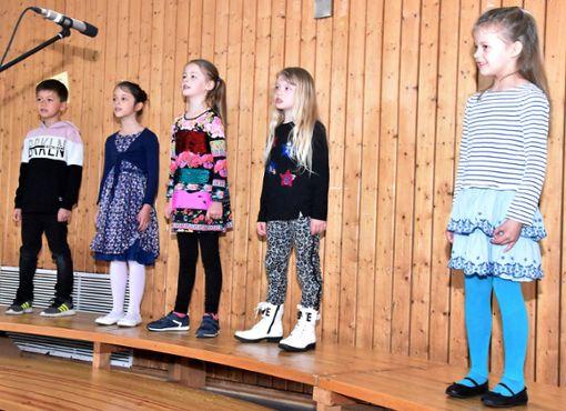 Auch die Nachwuchssänger unterhielten die Gäste mit einigen Liedern.  Foto: Sauer Foto: Schwarzwälder Bote