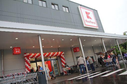 Das Kaufland in der Gammertinger Straße musste am Tag der Eröffnung evakuiert werden.  Foto: Huger