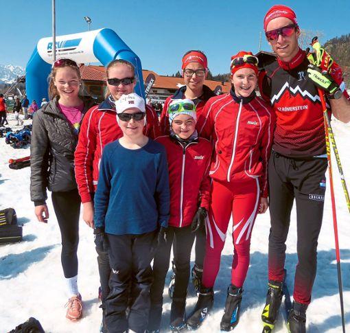 Das Calmbacher Team mit DSV-Läufer Florian Notz von der SZ Römerstein (rechts).   Foto: Ohngemach Foto: Schwarzwälder Bote
