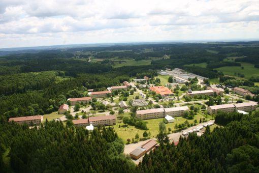 Ein Teil des Meßstetter Kasernen-Geländes wird zum Gewerbegebiet. Foto: Sauter