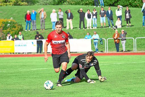 Mutig  nach vorn wie hier Marc Pettenkofer will die TSG Balingen den Weg  durch die Regionalliga beschreiten.  Foto: Kara