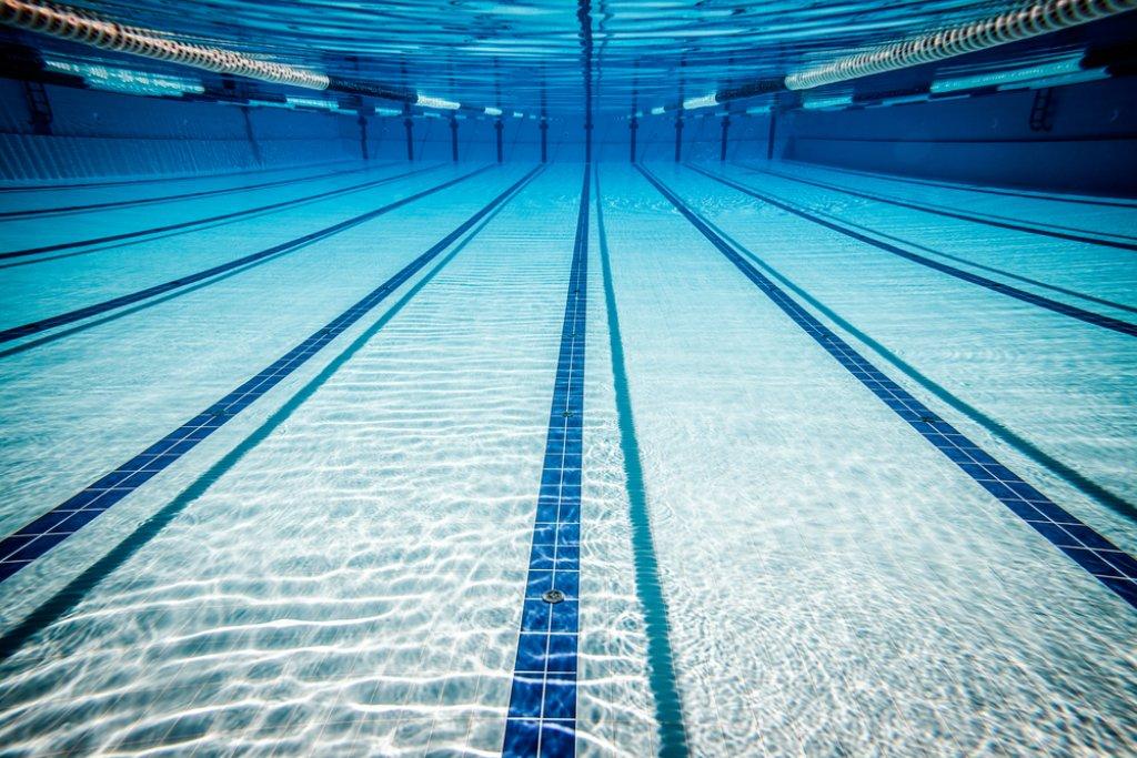 Schwimmlehrer soll hunderte Mädchen missbraucht haben