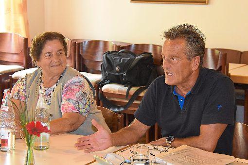 Kriminalhauptkommissar Uwe Schmid war zu Gast bei der katholischen Seniorengruppe Empfingen.  Foto: Baiker Foto: Schwarzwälder-Bote
