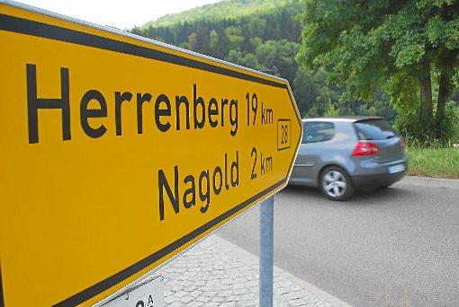 Ein Bild, das wohl bald der Vergangenheit angehören wird: Die Bundesstraße zwischen Altensteig und Nagold soll zeitnah zur Landesstraße degradiert werden. Foto: Bernklau