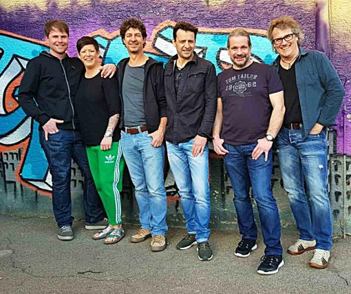Die   Intakt Allstyle Band spielt beim Hilb Open-Air bekannte Coverhits.  Foto: Intakt Foto: Schwarzwälder Bote