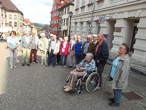 Auf die Spuren von Rottweils Geschichte begeben sich die Flözlinger Jahrgänger.  Foto: Irion Foto: Schwarzwälder-Bote
