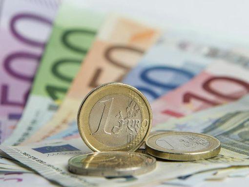 Durch Erbschaften und Vermächtnisse wurde 2016 ein Vermögen im Wert von 43,6 Milliarden Euro übertragen. Foto: Daniel Reinhardt Foto: dpa