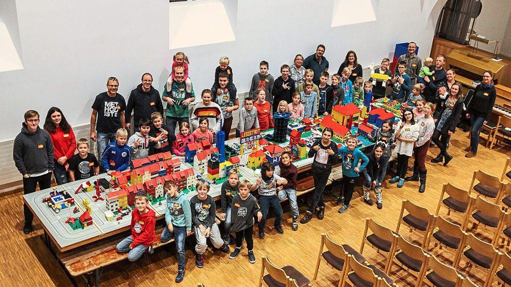 Freudenstadt: In Kirche entsteht eine Stadt aus Lego-Steinen - Freudenstadt - Schwarzwälder Bote