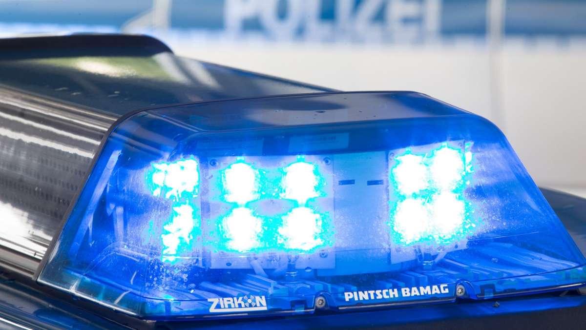 Ehingen-im-Alb-Donau-Kreis-Jugendliche-feiern-trotz-Corona-und-schlagen-Polizisten