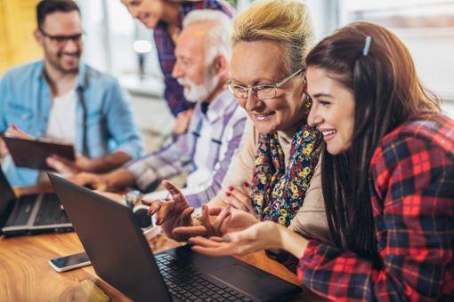 Virtuelle Welten für reale Begegnungen, das ist das Ziel einer Austauschplattform für deren Idee das Mehrgenerationenhaus einen Preis bekommt.  Foto: © Mediteraneo  – stock.adobe.com Foto: Schwarzwälder Bote