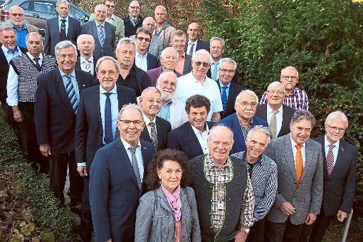41 Handwerksmeister und -meisterinnen  feierten jetzt den Goldenen Meisterbrief.   Foto: Heinig Foto: Schwarzwälder-Bote