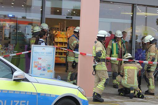Großeinsatz in strongVillingen-Schwenningen/strong: Ein Mädchen ist auf der Toilette eines Drogeriemarktes von einer explodierenden Deo-Spraydose verletzt worden. a href=https://www.schwarzwaelder-bote.de/inhalt.villingen-schwenningen-polizei-ermittelt-nach-explosion-von-spraydose.20ae9455-d4be-4042-afe9-4562687768dd.htmltarget=_blankstrongZum Artikel/strong/abr Foto: Bartler-Team