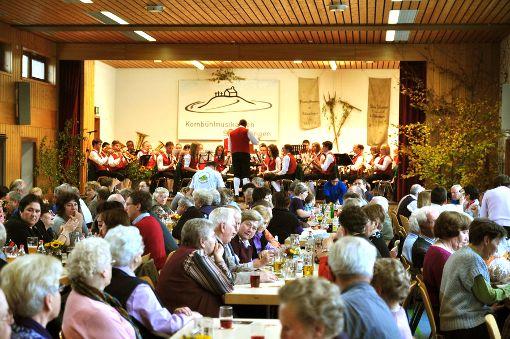 Gut besucht war das Kirbefest im vergangenen Jahr in der Salmendinger Kornbühlhalle.    Foto: Pfister Foto: Schwarzwälder-Bote